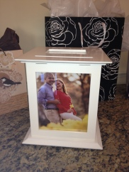 gift table for wedded couple